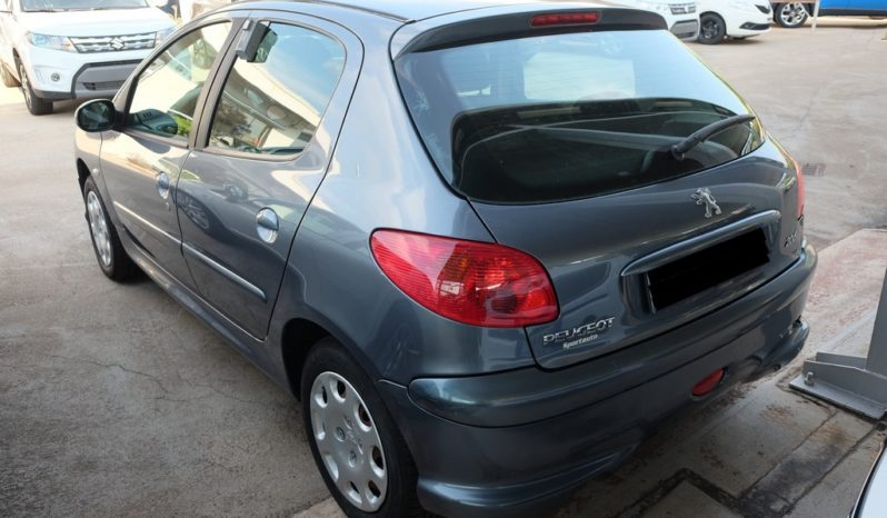 Peugeot 206 1.1 Benzina 60cv   98.941 km   2005 completo